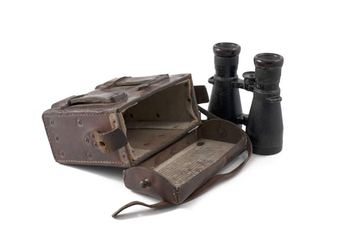 Binoculars with case, courtesy of the Hooge Crater Museum